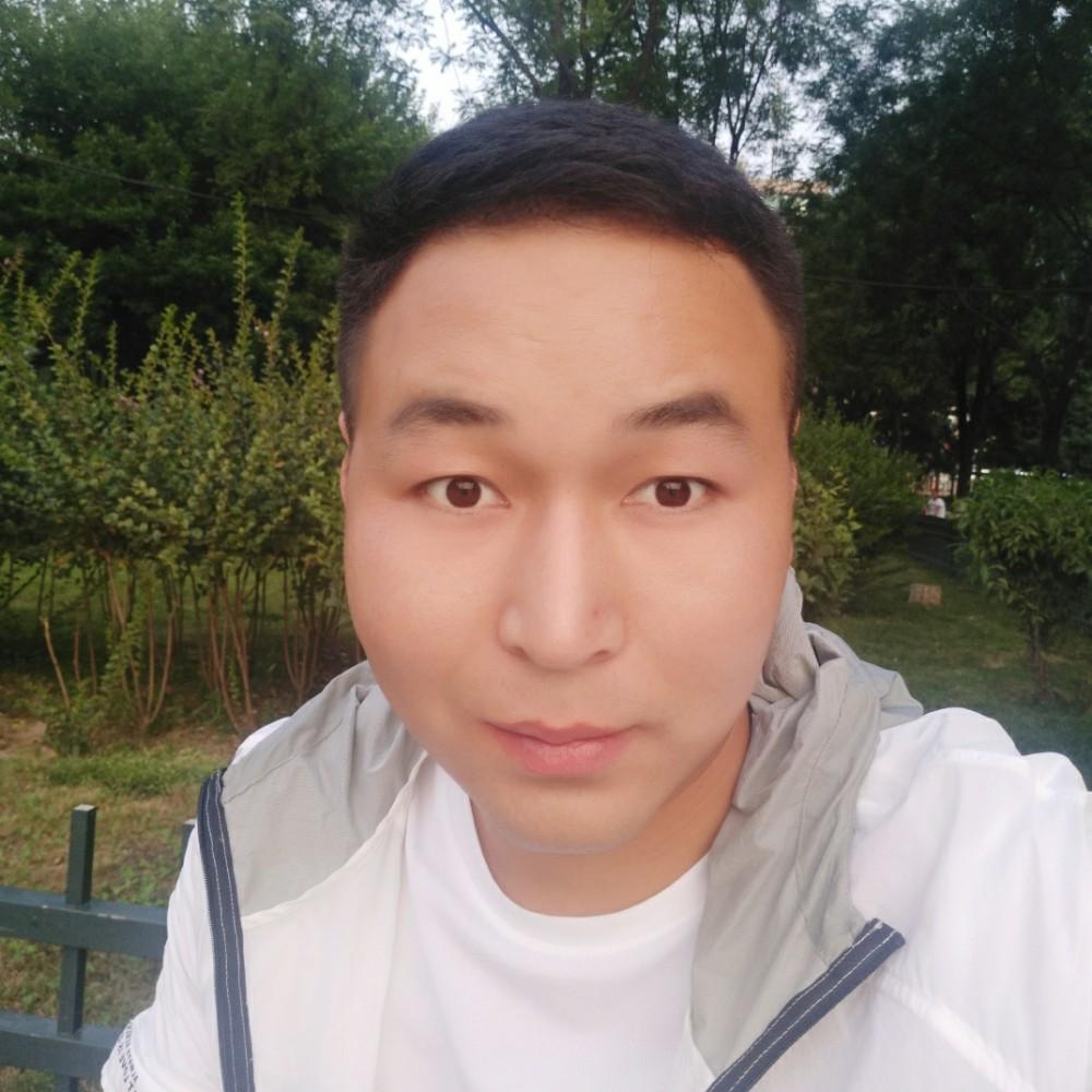 秦岭山下的照片