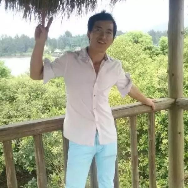 王德洪的照片