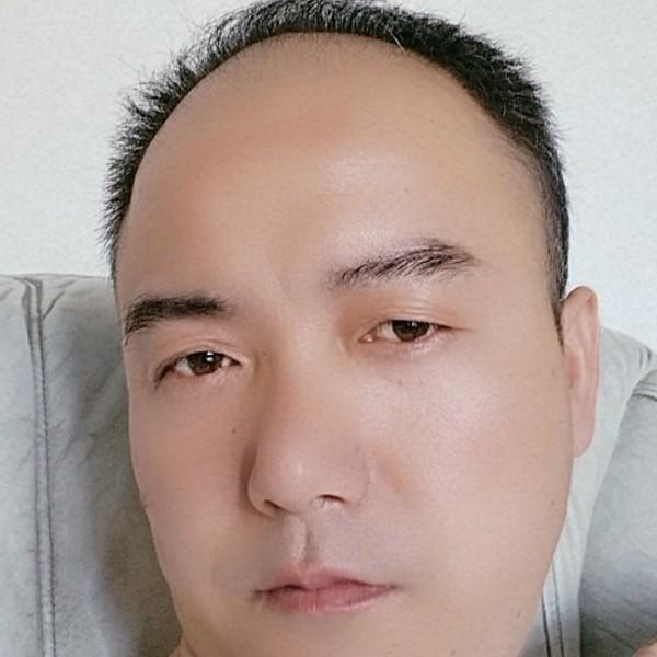查云峰的照片