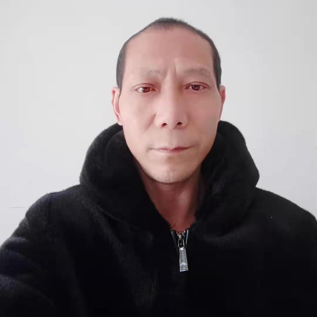 受过伤害的老男人的照片