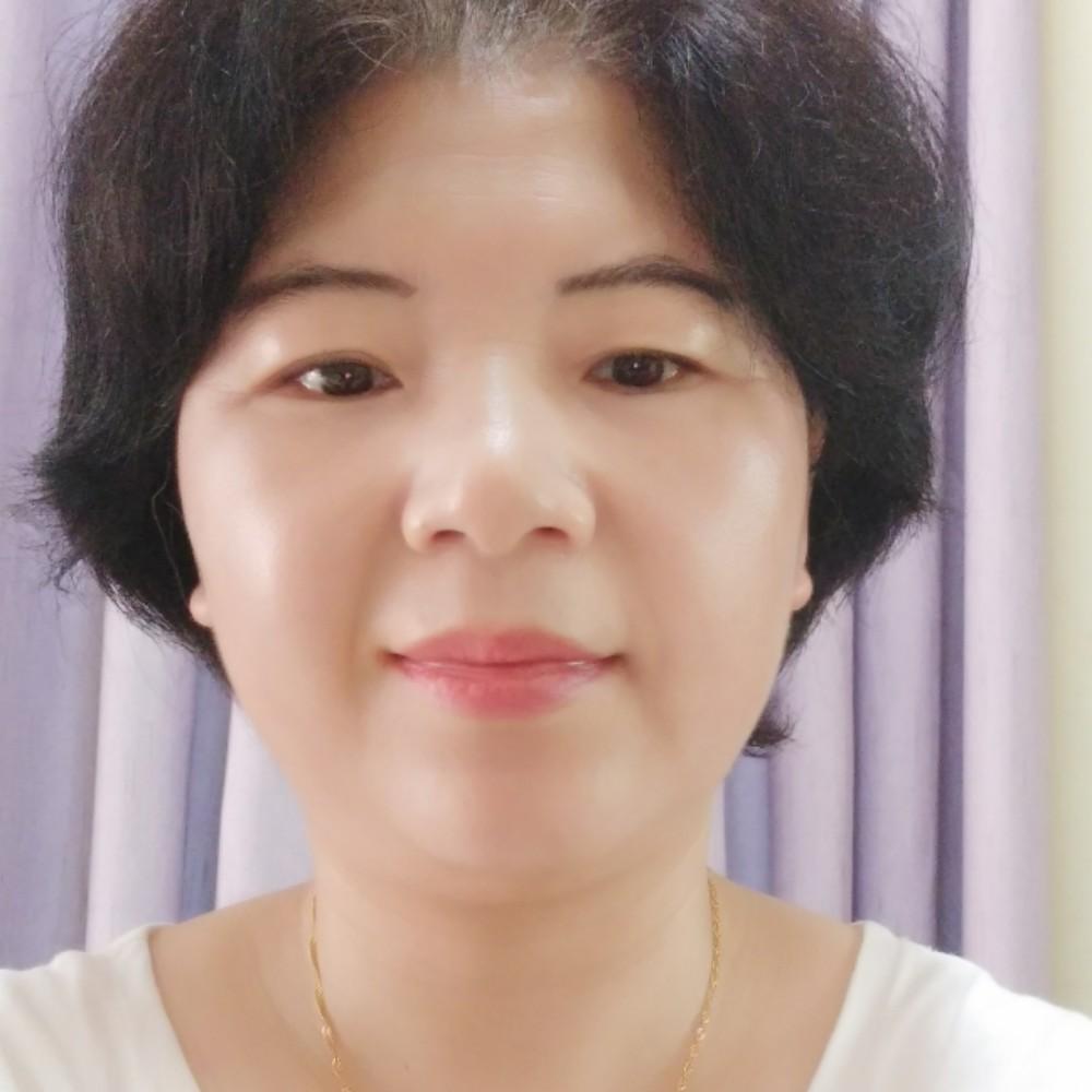 白头翁白姐姐的照片