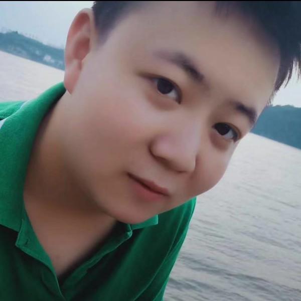 刘曾 灬的照片