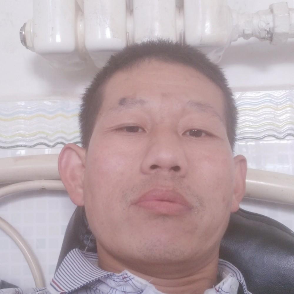 一个人吃醋板栗的照片