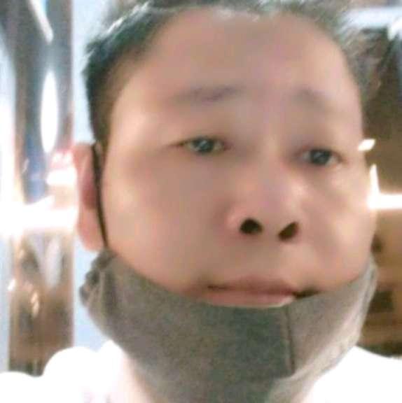 譚辉的照片