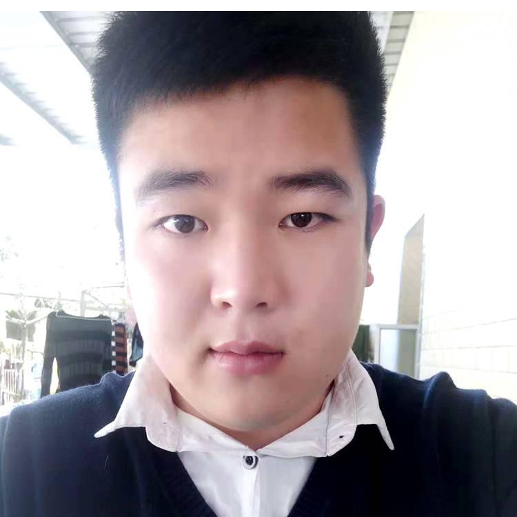黄李俊照片