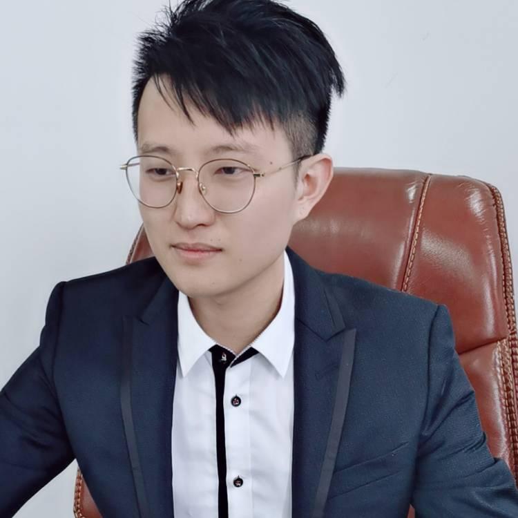 小明2019的照片