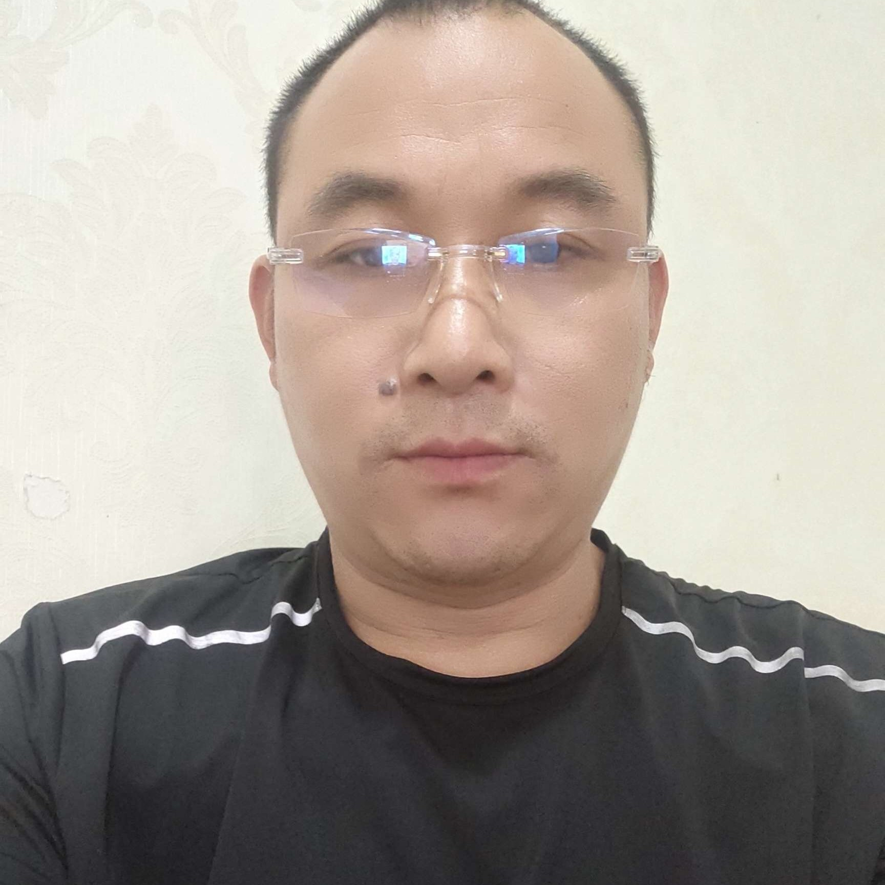 阳光林先生的照片