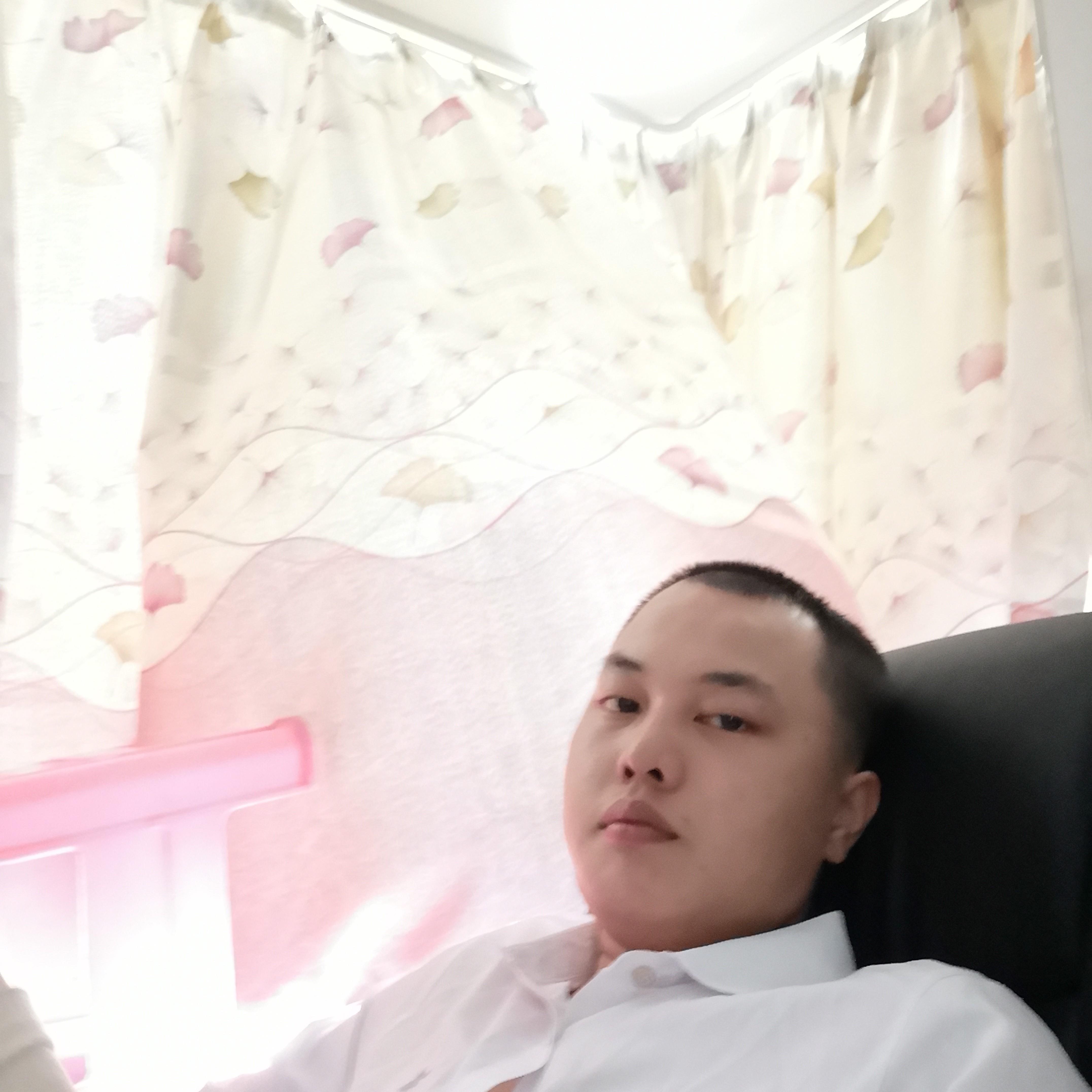 陈世锦不可爱的照片