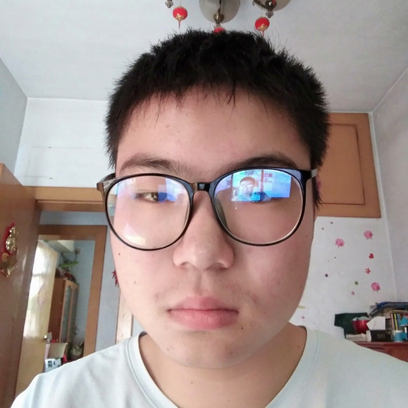 青年幼师李梓轩的照片