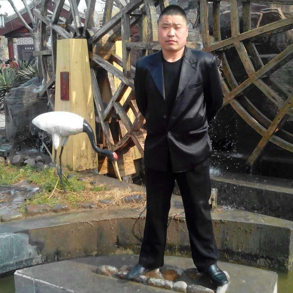 张刘峰的照片