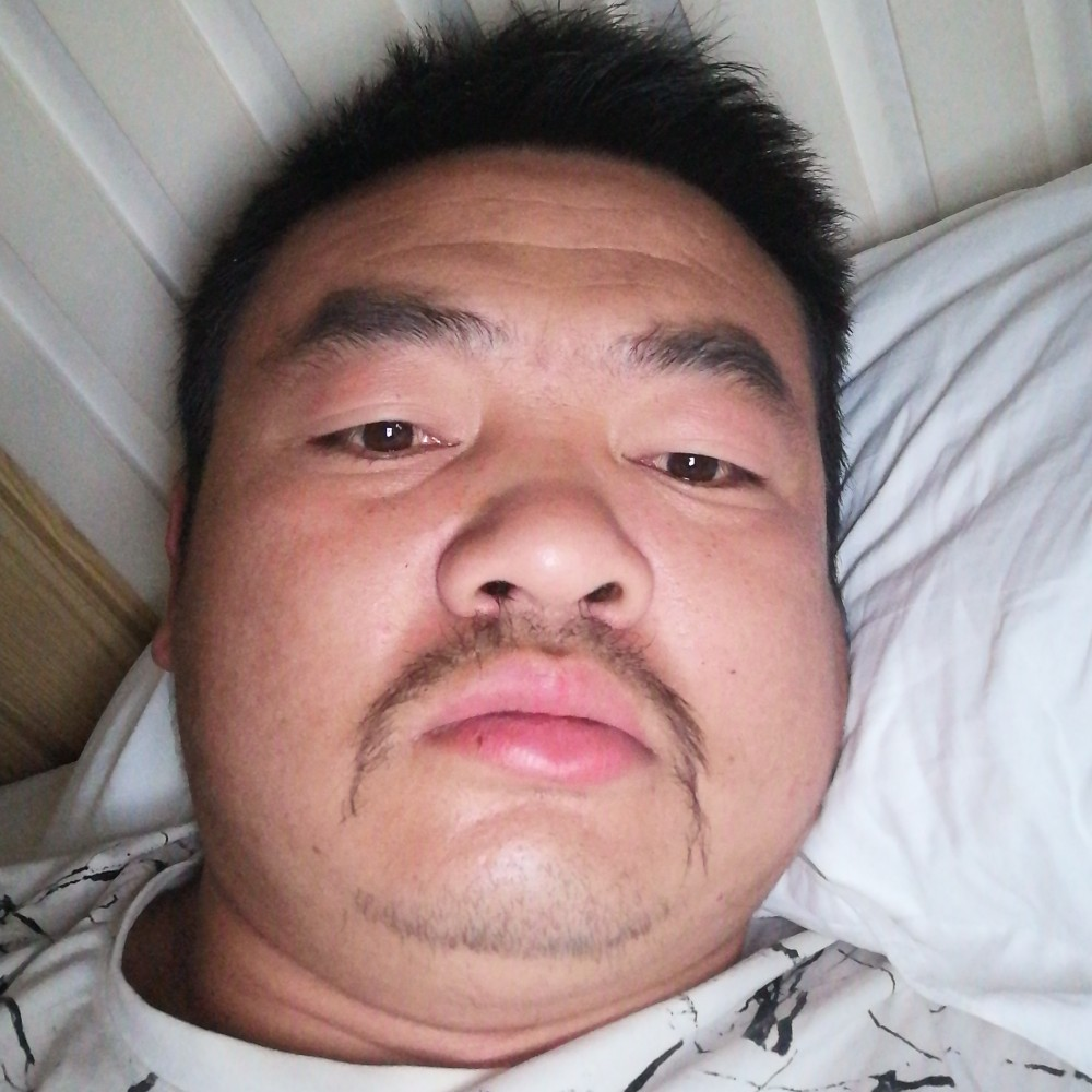 中年小叔叔的照片