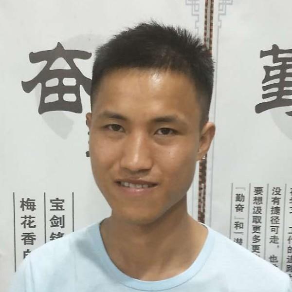胡隆燕的照片