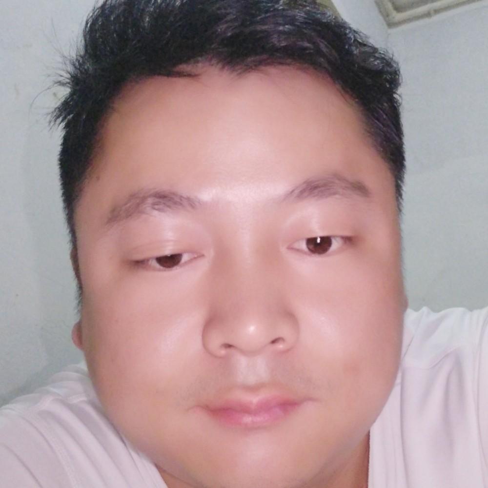 大眼萌叔的照片