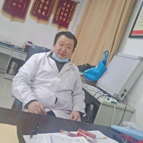 中医院医生的照片