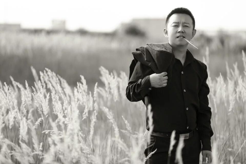 有故事小男人照片