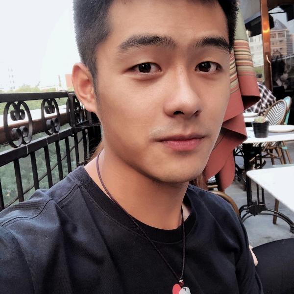 Mr.Wang龙的照片