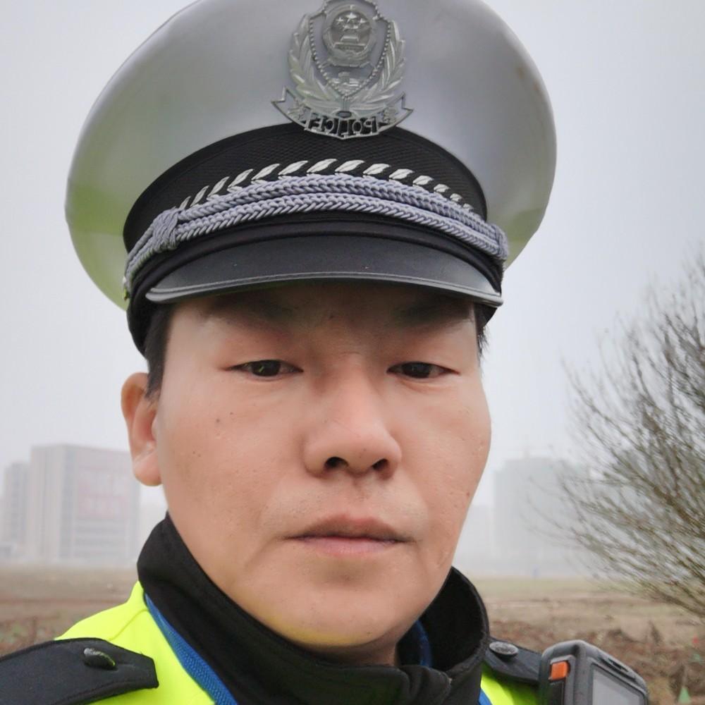 三级警长的照片