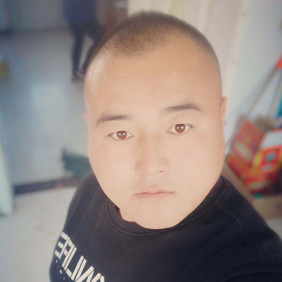 李宝龙的照片