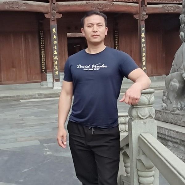 龙纳百川的照片