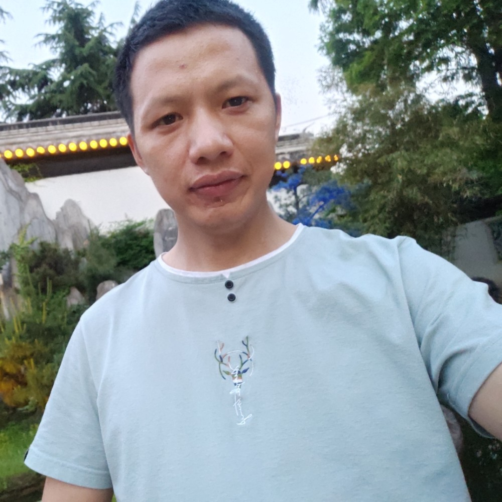 范仙平照片