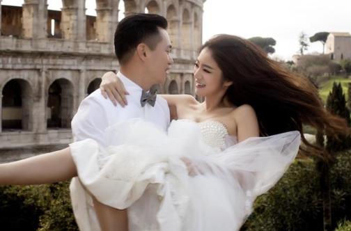安以轩与富商男友结婚 看看人家都是怎么征服爱情的