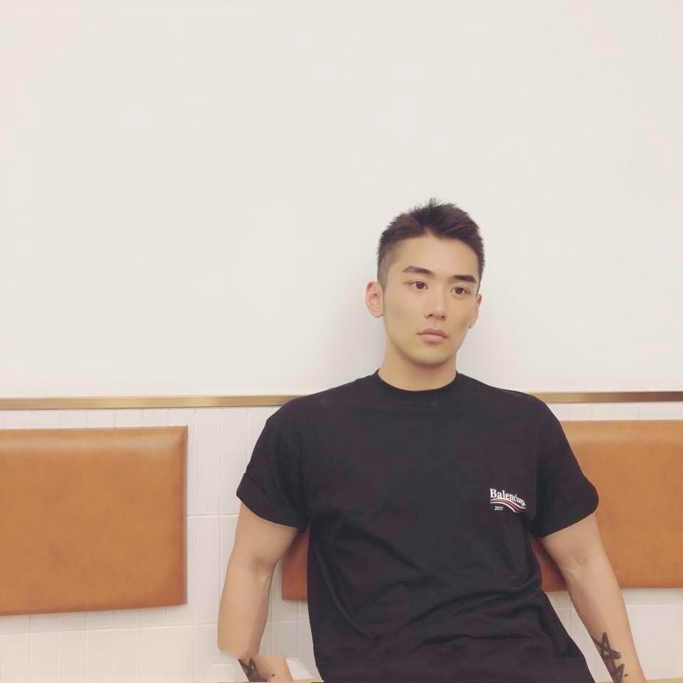明明wo的照片
