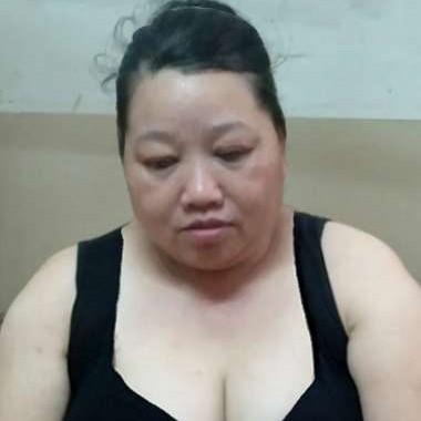 胸宽体胖的照片