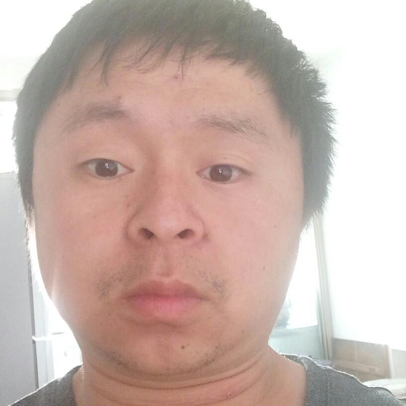 睫毛膏迎贤惠的照片