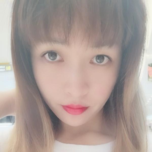 小公主霞霞照片